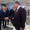 Порошенко у Мінську закликав до миру і 2 години говорив з Путіним