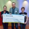 Чек на $10 000 надали проекту, що відправляє в Україну зі США медобладнання