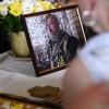 У Львові навколішках прощалися із загиблим на Донбасі Василем Сліпаком