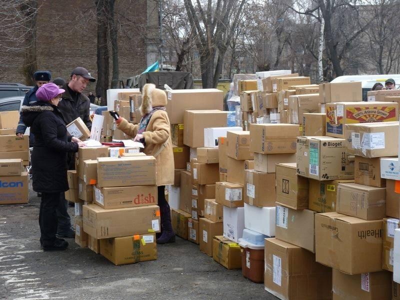 Доставка першого контейнера проекту у Дніпропетровськ, 06.02.2015. Фото: Support Hospitals in Ukraine