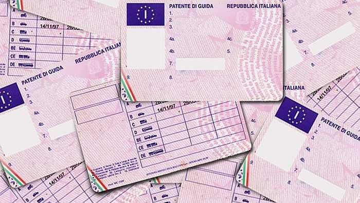 Із 30 травня в Італії можна обміняти українські посвідчення водія на італійські